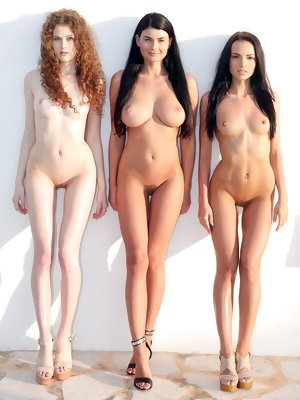 Best looken naked babes